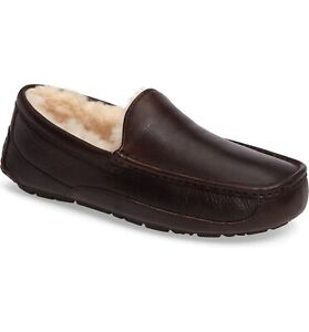 UGG Men's Ascot Leather Slipper: Size 7: Brown (185)