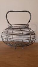 Ancien panier à oeufs en fil de  fer - Vintage wire egg basket - Alter Eierkorb