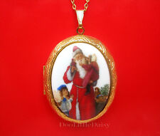 Porcelain CHRISTMAS OLD WORLD SANTA St Nick & 3 Girls CAMEO Locket Necklace GT