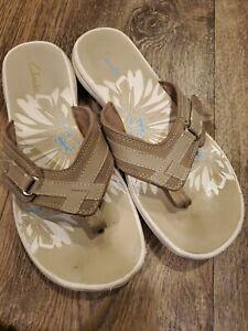 Clarks Women's Breeze Sea Flip-Flop Sandals 8 Brown Tan Adjustable Velco Slip On