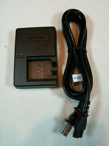 Genuine Olympus Battery Charger LI-60C with Power Cord