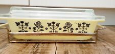 Pyrex Needlepoint 575 with lid and carrier yellow and black 2 QT
