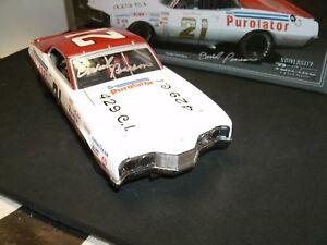 #21 DAVID PEARSON 1971 PUROLATOR MERCURY AUTOGRAPHED 1/24 UNIVERSITY OF RACING