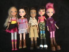 Bratz Doll (lot de 5 poupées habillées )