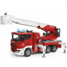 Bruder Scania R-Serie Feuerwehr Leiterwagen mit Wasserpumpe & Licht & S