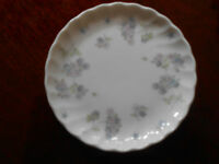 "Wedgwood Fine Bone China April Flowers 4"" Trinket Dish Plate Saucer Tray"