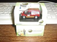 OXFORD DIE-CAST - FORD TRANSIT CONNECT - NETWORK RAIL (JARVIS) LIVERY - 00 /1:76