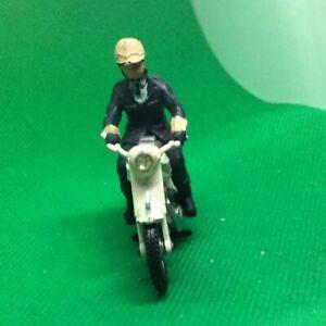 Britains Toys 9697 Triumph Police Motorcycle with Patrolman Rider