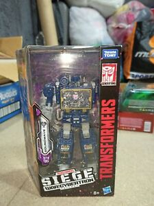 Transformers siege soundwave figure netflix