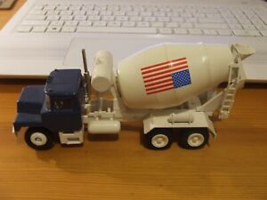 CONRAD 3065 Mack HTM 904 Mobile Cement Truck, 1:50, vgc