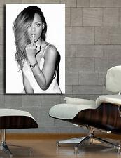 Poster Mural Rihanna R&B Musician 40x58 inch (100x147 cm) 8mil Paper