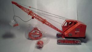 Bantam C-35 Crawler Crane by Spec Cast  1:25 scale Magnet, Log  & Scrap Grapples