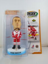 Steve Yzerman Bobblehead - Play Makers by Upper Deck (2002) - New In Box