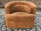 Mid Century Vintage Lounge Chair In style Of Milo Baughman