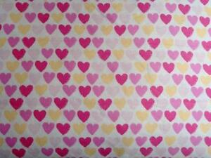 CRIB/TODDLER SHEET/FITTED/FLANNEL -CREAM PINK AND HOT PINK HEARTS ALL IN A ROW