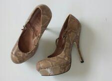 Women's OFFICE LONDON shoes beige color size 6 worn once mint condition
