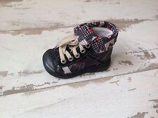 P19 - Chaussures Fille Neuves Babybotte - Modèle ARTISTE1 Noir (78.00 €)