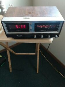 Vintage Zenith Solid State Circle of Sound Clock Radio 70s AM/FM WORKING See Pic