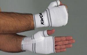 Innenhandschuhe Open Finger von Kwon . Für Stabilität der Handgelenke.Kampfsport
