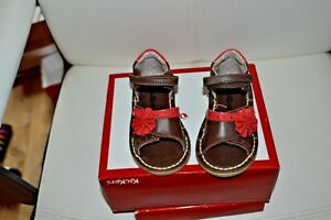 chaussure neuve kickers sandalette  22 avec la fleur sur le cote cuir ***