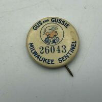 "Vtg Milwaukee Sentinel Newspaper Gus + Gussie Comic Contest 1-1/4"" Pinback   S4"