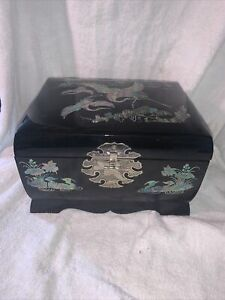 Vtg Asian Oriental Abalone Inlay Flying Cranes Black Lacquer Jewelry Music Box