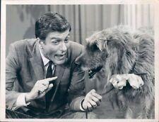 1966 Press Photo Actor Dick Van Dyke Talks With Dog 1960s TV