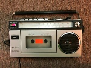 Sanyo M1700F Portable AM/FM Radio Cassette Player Boombox