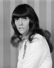KAREN CARPENTER SINGER MUSICIAN - 8X10 PUBLICITY PHOTO (FB-563)