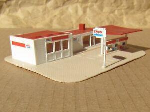 RETIRED ~ EXXON GAS STATION by Model Power ~ Mayhayred Trains N Scale Lot