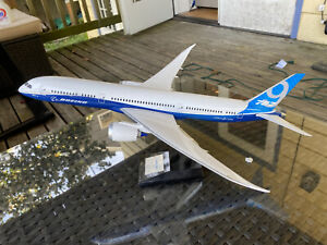 PacMin Boeing 787-9 Dreamliner 1/144 Scale
