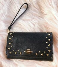 NWT COACH Crossgrain Leather Flap Phone Wristlet with Studs Wallet Purse R$150