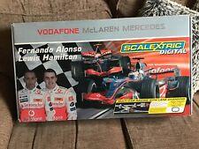 # Look Scalextric Digital Set RARE Lewis Hamilton Alonso con gran cambio de carril