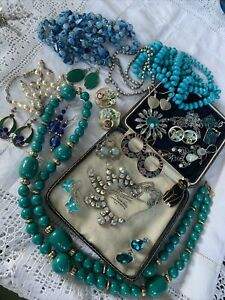 Lovely Collection Job Lot of Vintage 1950s/60s/70s Costume Jewellery