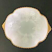 "Vtg Anchor Hocking 8"" Oval White Milk Glass Serving Bowl w/ Gold Trim & Handles"