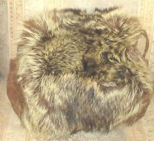 Vintage Fur Muff -display / pattern