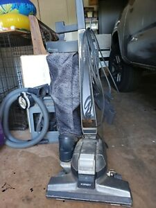 KIRBY VACUUM CLEANER G4 WITH ATTACHMENTS/HOSE. Works good hardly used.