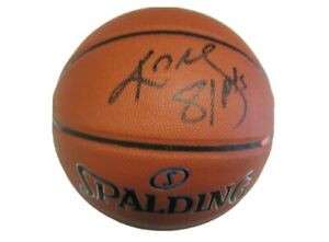Kobe Bryant  Historic 81pts signed Basketball 2006