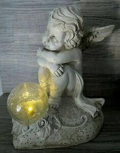 Solarleuchte-Träumender Engel mit Solar Kugel a. Herz--ca. 21 cm-Deko-Solarlampe
