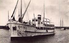 BELLE ILE EN MER Le Bateau-poste qui assure la traversée de Quiberon à Belle-Ile
