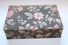 Superbe boite à couture ancienne tapissée en cretonne indienne 31 cm x 21 cm