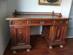 Sehr schöner Schreibtisch Gründerzeit Nussbaum mit Galerie