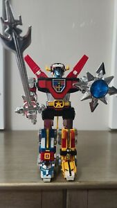 Voltron GB-36 Y&K 1981 Diecast Robot With 10 inch Sword & Shield
