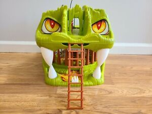 Advanced Dungeons & Dragons Fortress of Fangs Playset - AD&D LJN