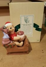 Winnie the Pooh and Friends- A Sleigh Full of Presents, Hearts Full of Love  BOX