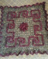 sehr alter Teppich gestickt für eine Puppenstube
