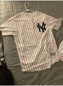 Majestic Mariano Rivera New York Yankees #42 Pinstriped Jersey Men's Size M EUC