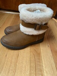 UGG Women Brown Boots