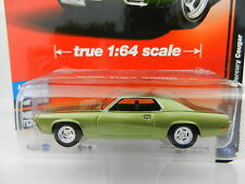 2017 AUTO WORLD 1:64 Deluxe 1A = GREEN 1969 Mercury Cougar *NIP*