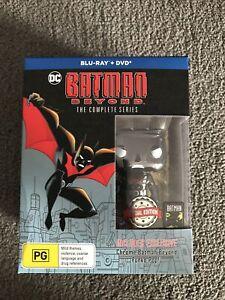 DC BATMAN BEYOND BLU RAY +DVD THE COMPLETE SERIES W/ CHROME BATMAN BEYOND POP!